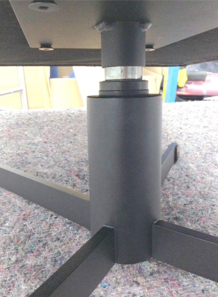 rietveld-fauteuil-denekamper-metaal-industrie-onderstel