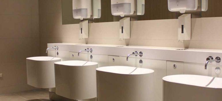 Toiletgroepen-vertrekhallen-schiphol-airport-denekamper-metaal-industrie-1.jp4